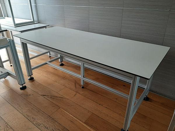 שולחן מעבדה לחדרים נקיים לפי מידות