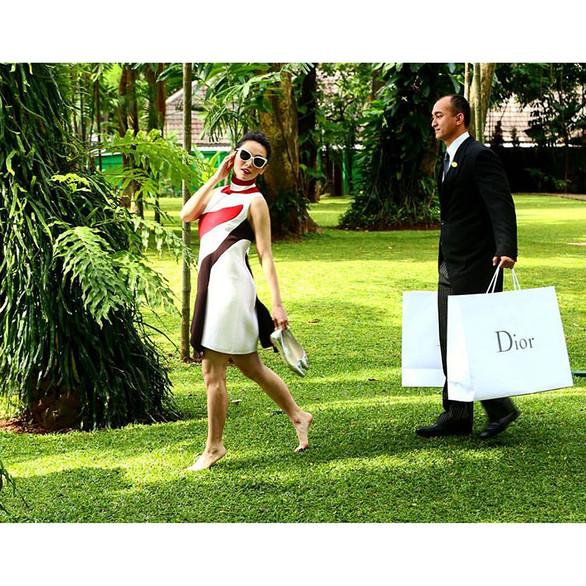 FRV Magazine Mall Shopping