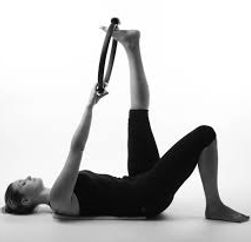 Pilates cercle stretching étirement