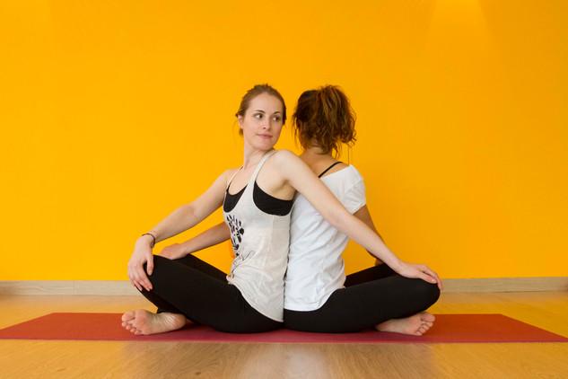 yoga-partner-2.jpg