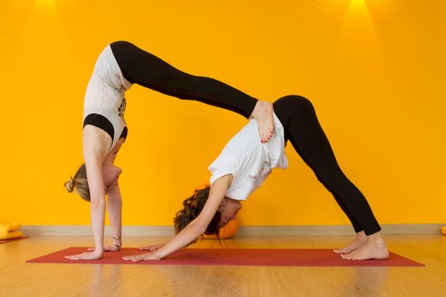 yoga-partner-6.jpg