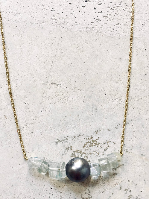 PEARL AND STONES NECKLACE