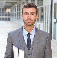 Young advokat