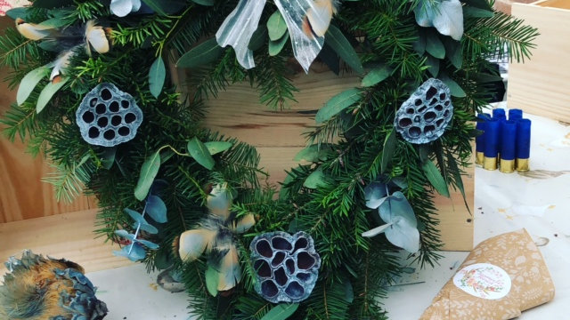 Silvery feather wreath