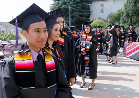 latino-graduation-1-990x624.jpg