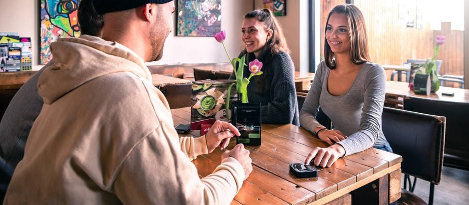 Gästebindung in der Gastronomie: Mit einem Kellnerrufsystem Gäste zu Stammgästen machen