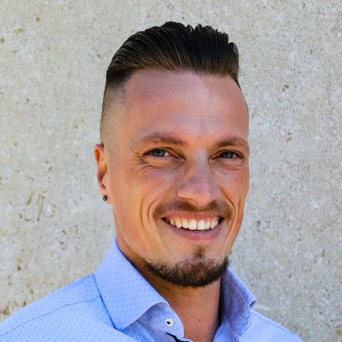 Founder_Andreas_Ramos_Alternative
