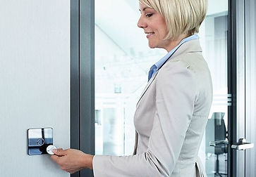 Løsninger for adgangskontrol, videoovervågning mm. fra Real Data A/S