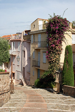 Street Scape - Cannes, Frace
