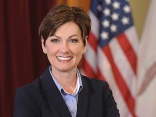 Gov. Kim Reynolds signs executive order restoring felon voting rights, removing Iowa's last-in-t