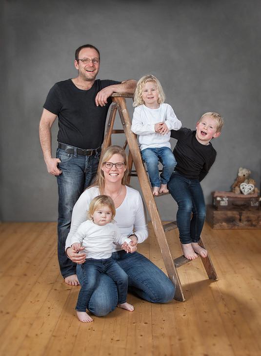 Familie mit Leiter.jpg