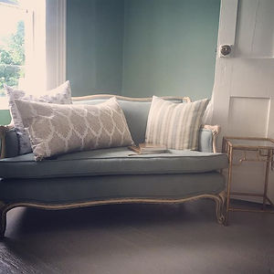 Favorite little corner #vintagesofa #reupholstered #johnrobshaw #blockprintedpillow #pillows #blockp