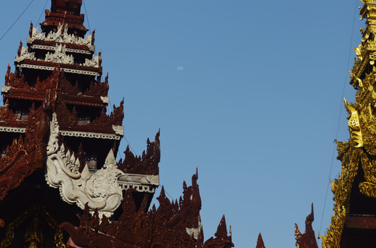 002 Shwedagon Pagoda. 2017.