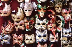Masques à Wall