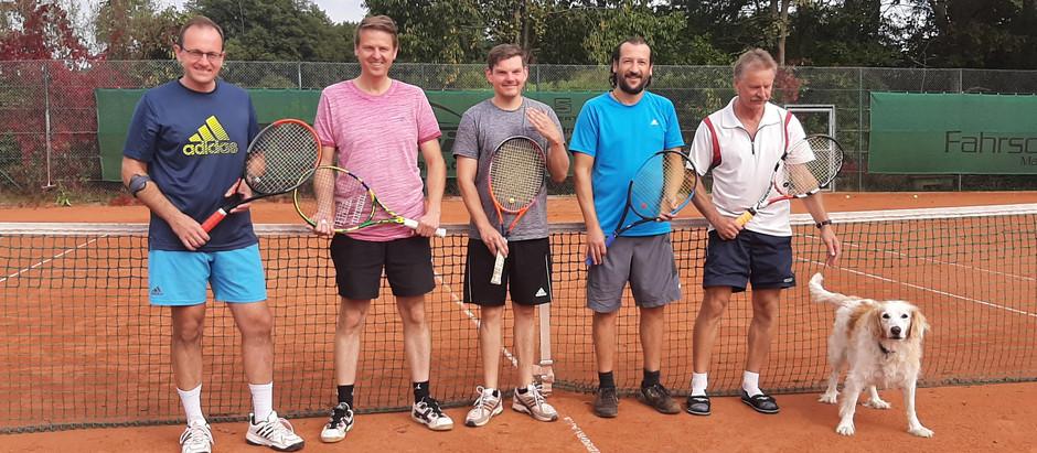 Weißbier-Cup für die unermüdlichen Tennisfans