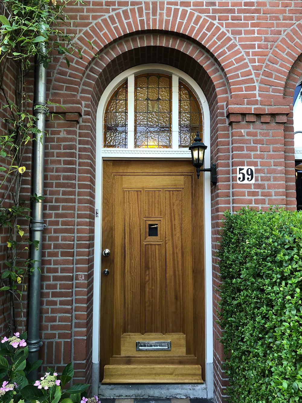 Voordeur, paneeldeur van Iroko