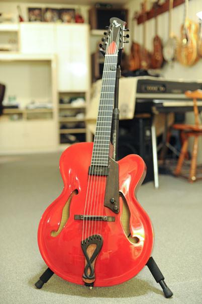 7-string-archtop.jpg
