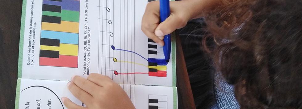 cahier crayons mini conservatoire des iles.jpg