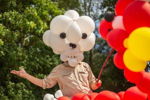 échassier, sculpteur de ballon, cabezudos