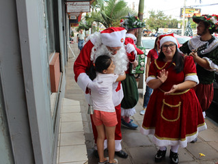 Lajeado | Cortejo de Natal leva encanto e alegria ao comércio