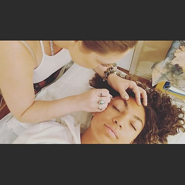 "Action shot ""tweezing to perfection!"" #l"