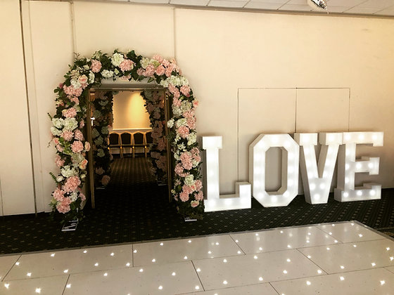 4ft Led Love Sign