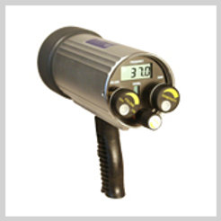 DTI-300A DIVER HELD ACOUSTIC RECEIVER Using a highly visible LCD display and ele