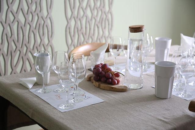 Sommelier   Teresa Gomes   The Wine Flat   Table
