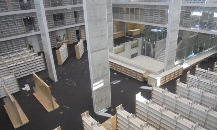 米沢市立図書館