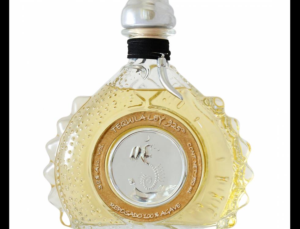 Tequila Ley Premium .925 Reposado de 750 ml.