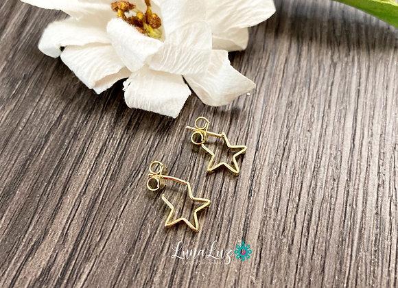 Aros Mini Estrellas Enchapados en Oro 18k. Miden 1 cm