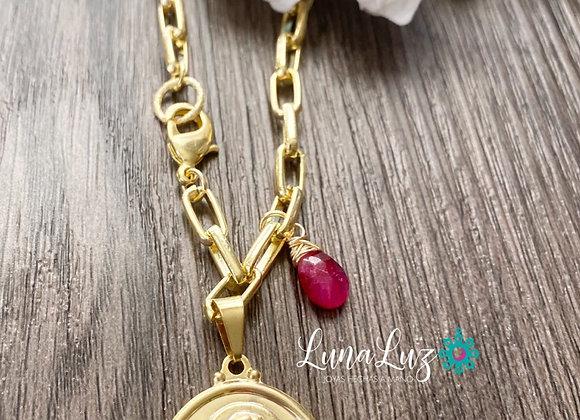 Cadena Gruesa Enchape Oro18k Chapa Sagrado Corazón y piedra Rubí