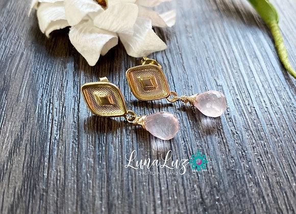 Aros Enchape de Oro 18k en piedras Cuarzo Rosa