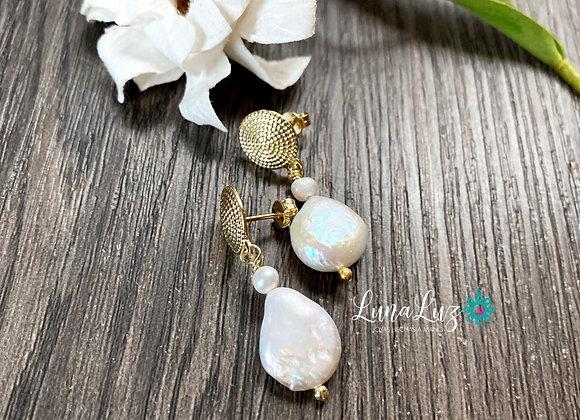 Aros Enchape de Oro 18k y bellas Perlas