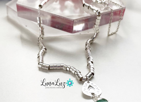 Collar Mostacillas Enchapado en Plata con una gota de Amazonita