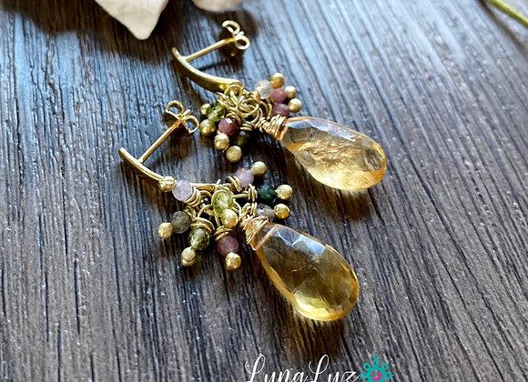 Aros Racimo Enchape de Oro 18k con gotas de citrino y mix piedras