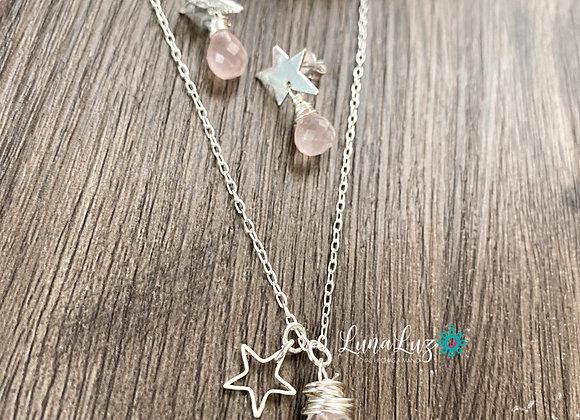 Conjunto Enchapado en Plata y piedras Cuarzo Rosa, El collar Mide 45 cms