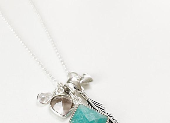 Amuleto de Proteccion en Plata 925 . La cadena mide 45 cms