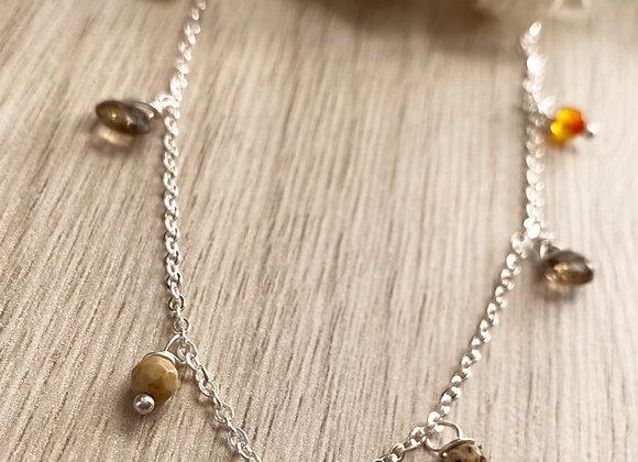 Collar enchape de Plata, gotas de cuarzo y otras piedritas naturales