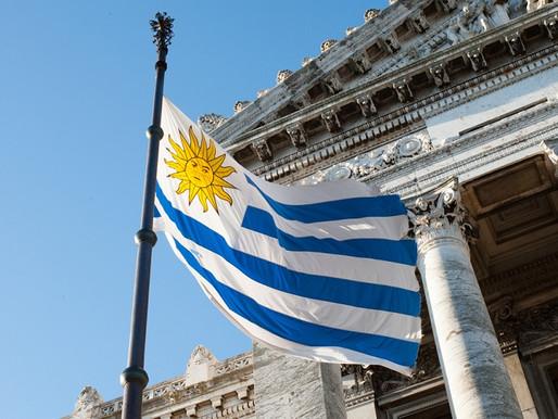RESIDENCIA LEGAL DEFINITIVA EN LA REPÚBLICA ORIENTAL DEL URUGUAY