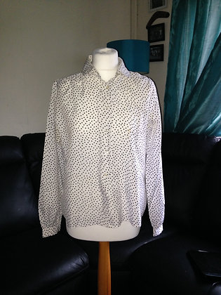 Black spot blouse