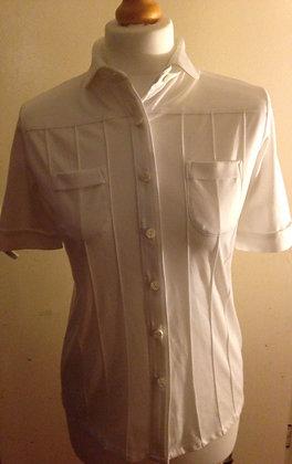 Peter pan collar shirt.