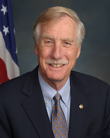 Angus_King,_official_portrait,_113th_Con