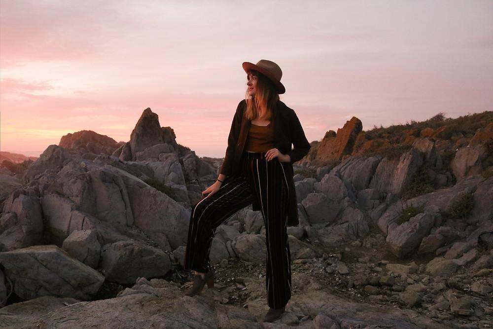 Sunset model dressed fashionably