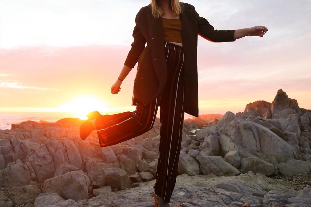 Sun set model is dressed fashionably