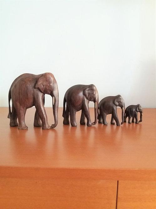 Conjunto talla de elefantes de ébano