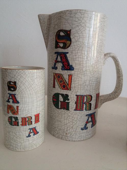 Jarra y vasos de cerámica para sangría