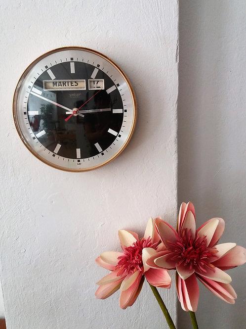 Reloj calendario vintage