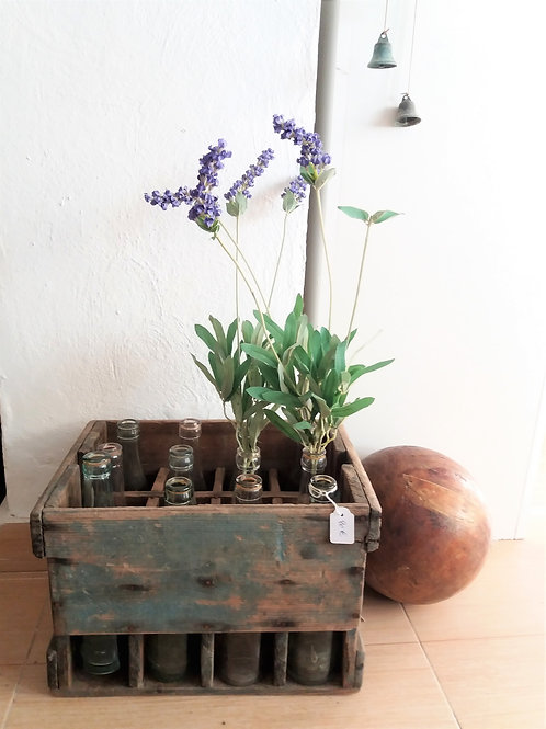 Caja de madera antigua de gaseosas