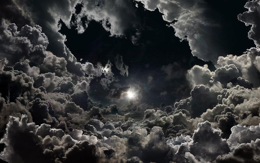 Full-Moon-on-Cloudy-Night-HD-Wallpaper-B